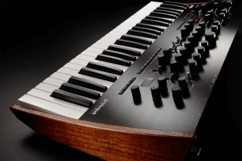Korg Prologue-8 - Image n°4