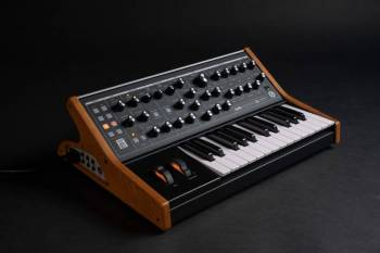 Moog Music  Subsequent 25 - Image n°3