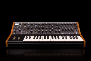 Moog Music Subsequent - Image n°1