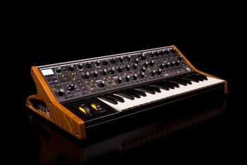 Moog Music Subsequent - Image n°2