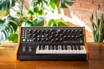 Moog Music  Subsequent 25 - Image n°1